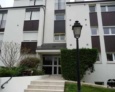 Vente Appartement 14 m² à Saint Nom la Breteche 53 000 €