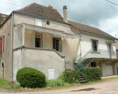 Vente Maison de campagne 80 m² à Saint-Sernin-du-Plain 88 275 €
