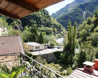 Vente Maison de village 70 m² à Saint-Sauveur-sur-Tinée 108 000 €