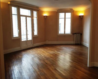 Vente Appartement 131 m² à Limoges 176 000 €