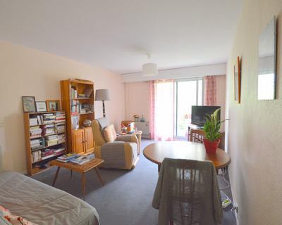 Vente Appartement 49 m² à Paris 329 840 €
