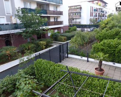 Vente Appartement 48 m² à La Plaine Saint Denis 206 000 €
