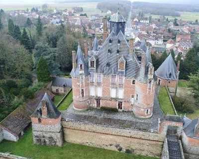 Vente Propriété 1000 m² à Montmort-Lucy 4 000 000 €