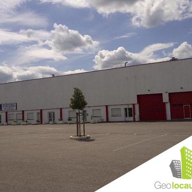 Local industriel 1180 m²