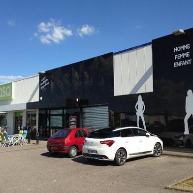 Commerce 600 m²