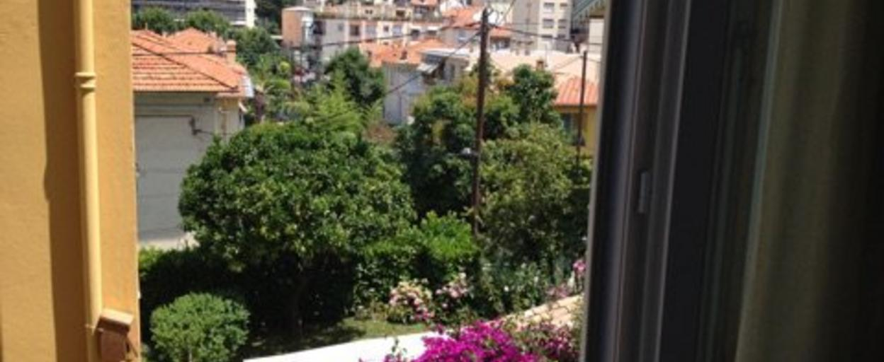 Location appartement 1 pièce Nice (06000) 500 € CC /mois