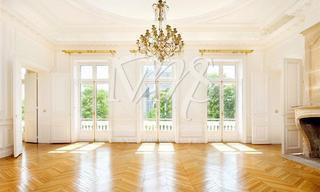Location appartement 8 pièces Paris 8ème (75008) Nous consulter