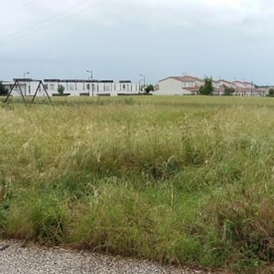 Terrain 859 m²