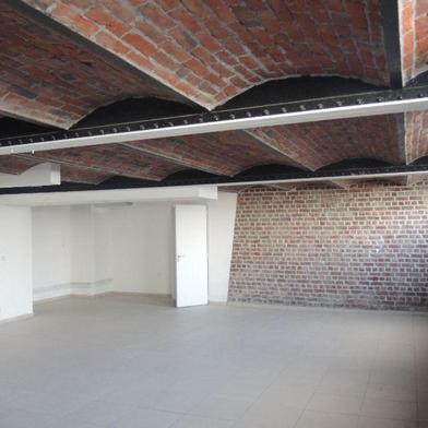 Bureau 4 pièces 130 m²