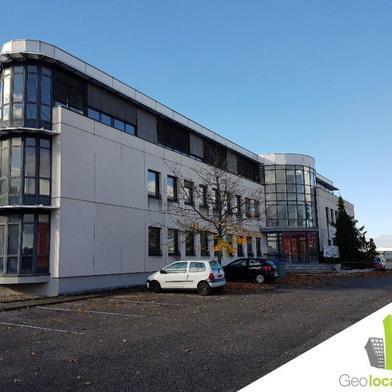 Bureau 55 m²