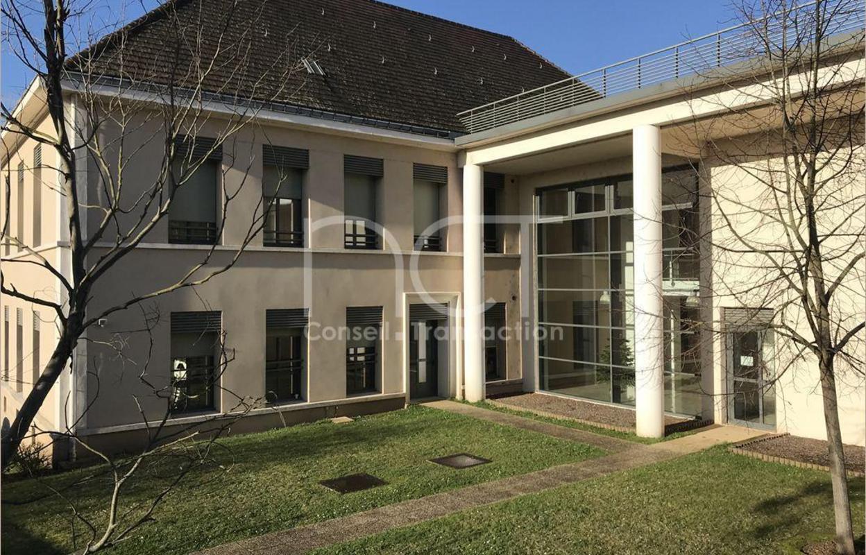 Bureau 508 m²