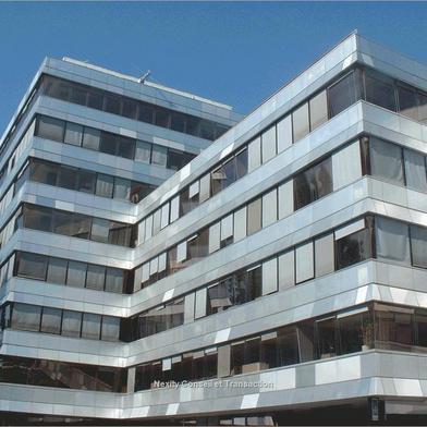 Bureau 1742 m²