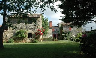 Achat maison 6 pièces Fontenay-le-Comte (85200) 295 000 €