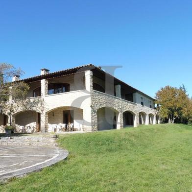 Maison 11 pièces 554 m²