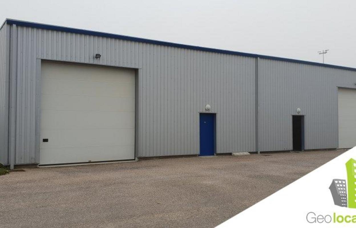 Local industriel 392 m²