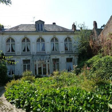Maison 13 pièces 600 m²