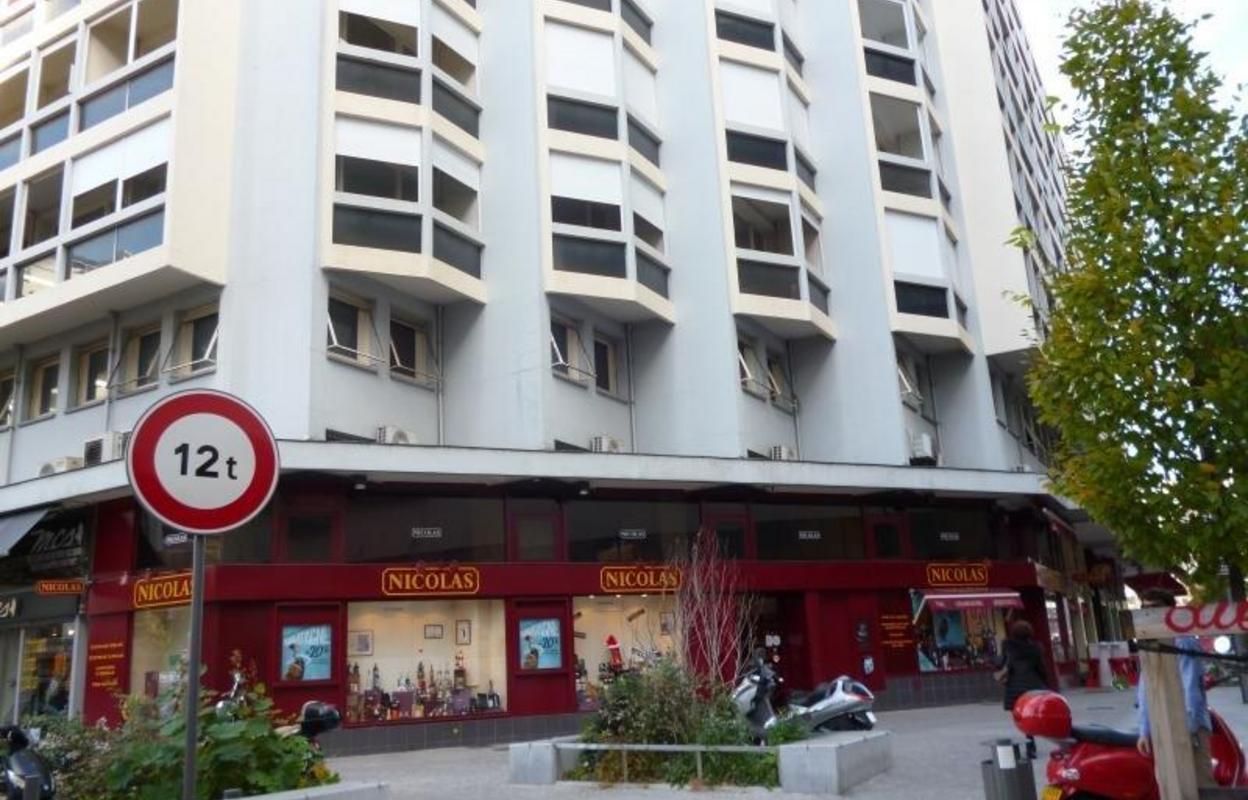 Commerce 92 m²