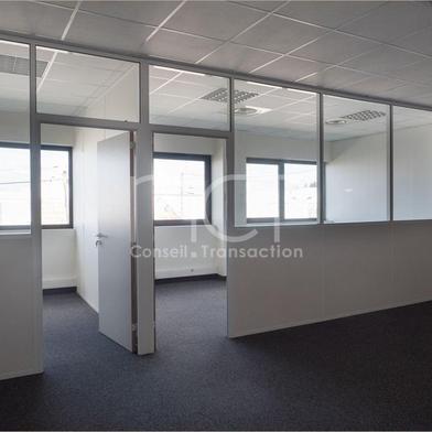 Bureau 908 m²