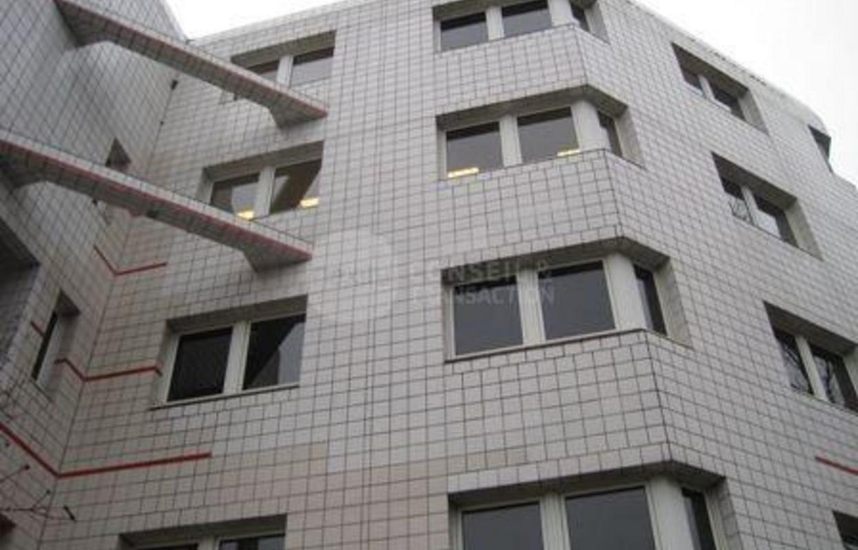 Bureau 368 m²