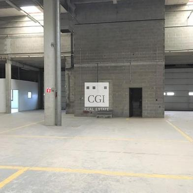 Local industriel 634 m²