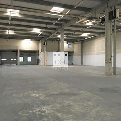 Local industriel 605 m²
