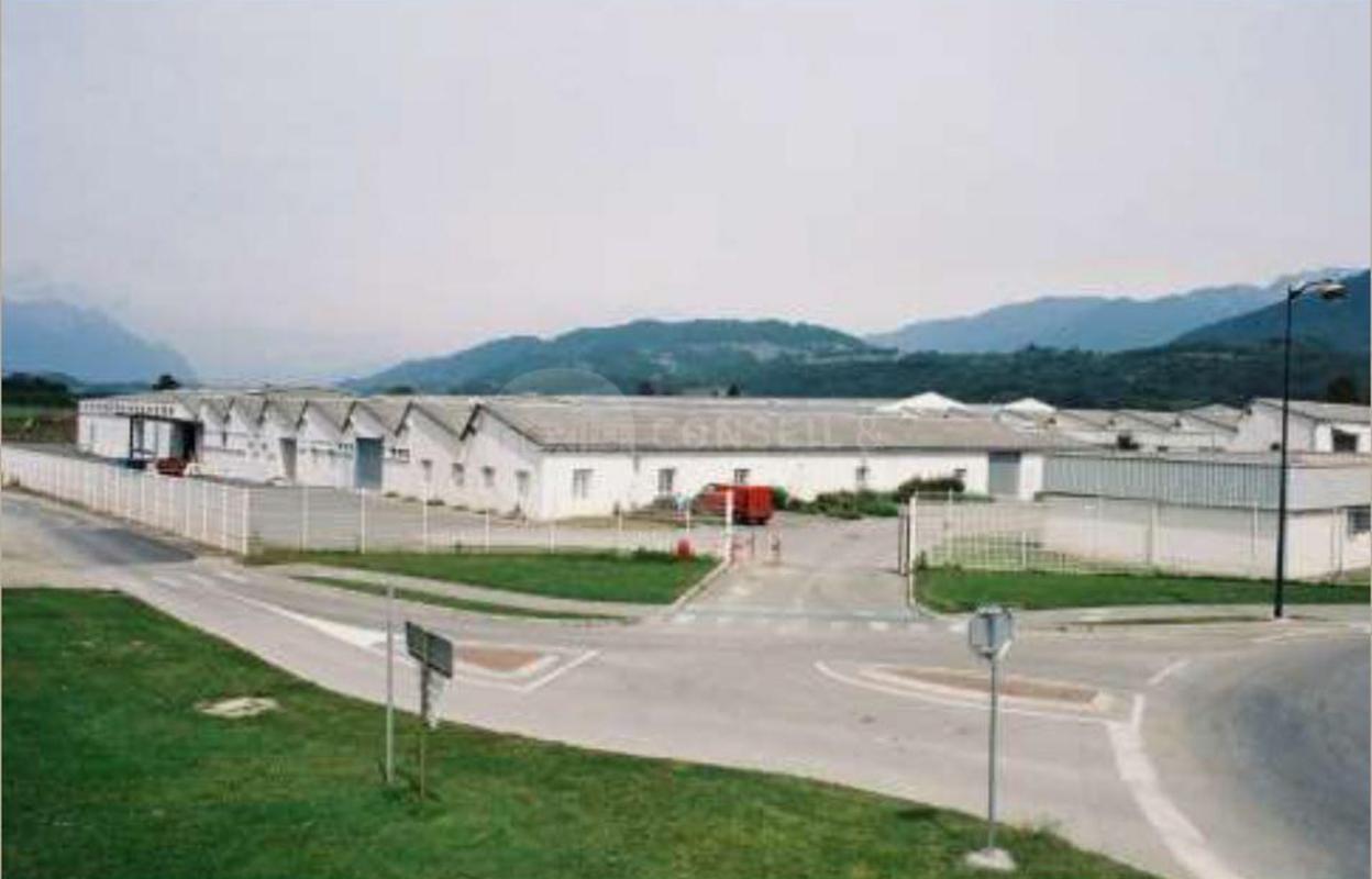 Local industriel 2868 m²