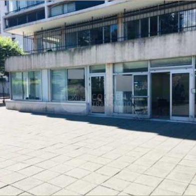 Bureau 147 m²