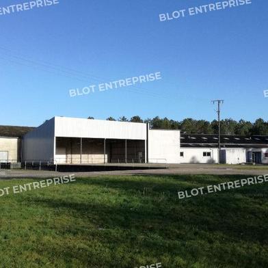 Local industriel 5850 m²