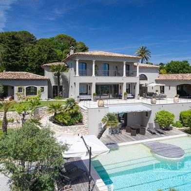 Maison 10 pièces 700 m²