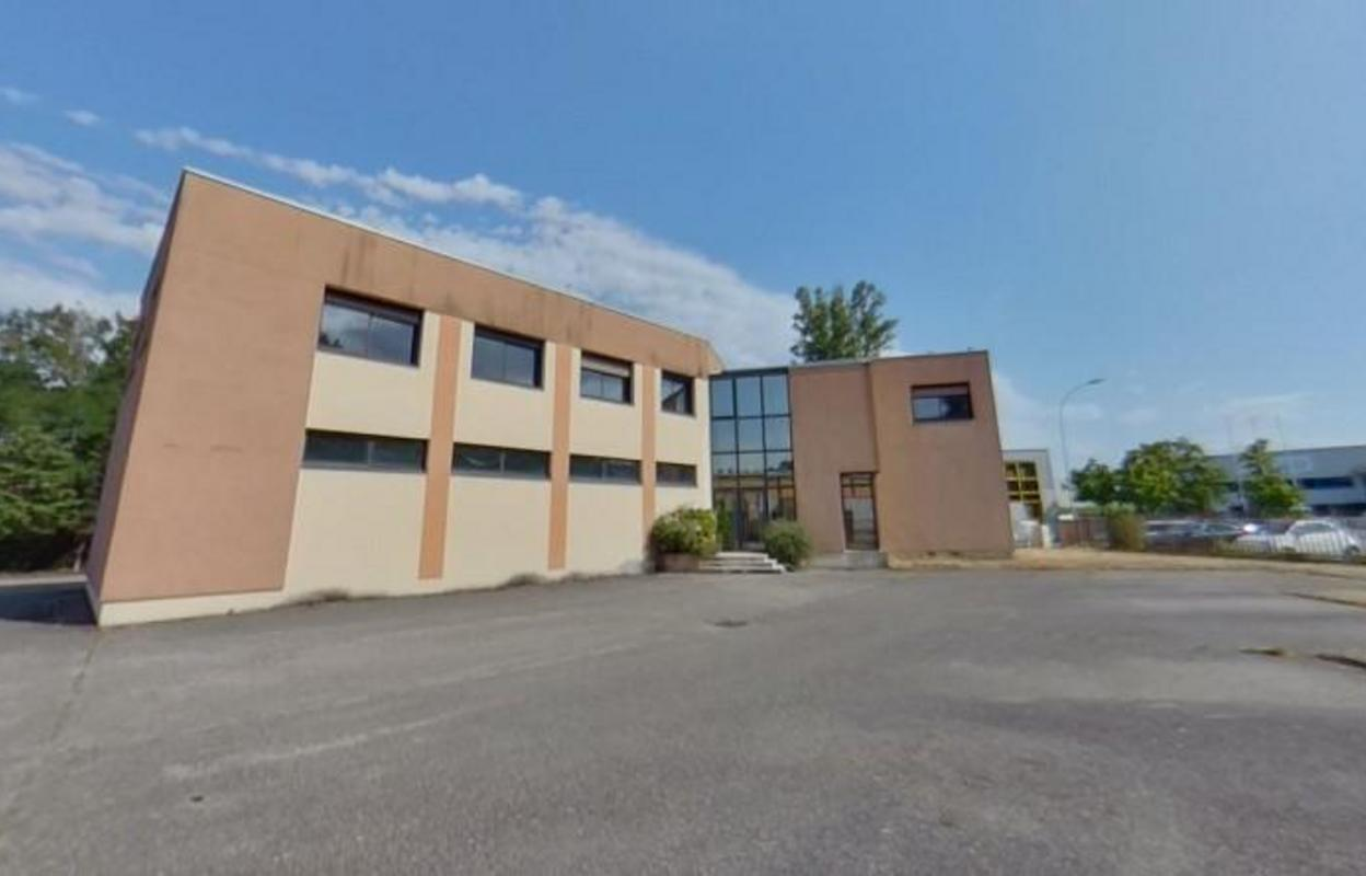 Local industriel 574 m²