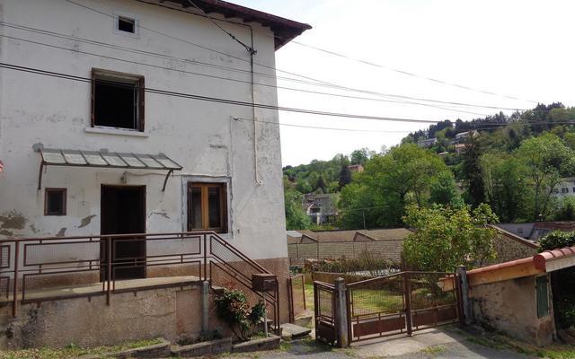 Photo 1