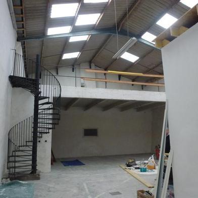 Commerce 378 m²