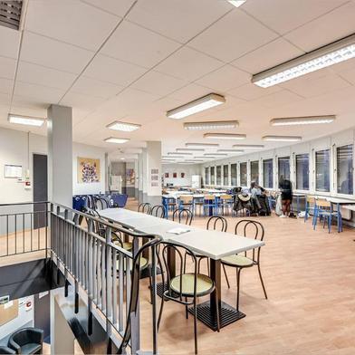 Bureau 628 m²