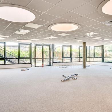 Bureau 879 m²
