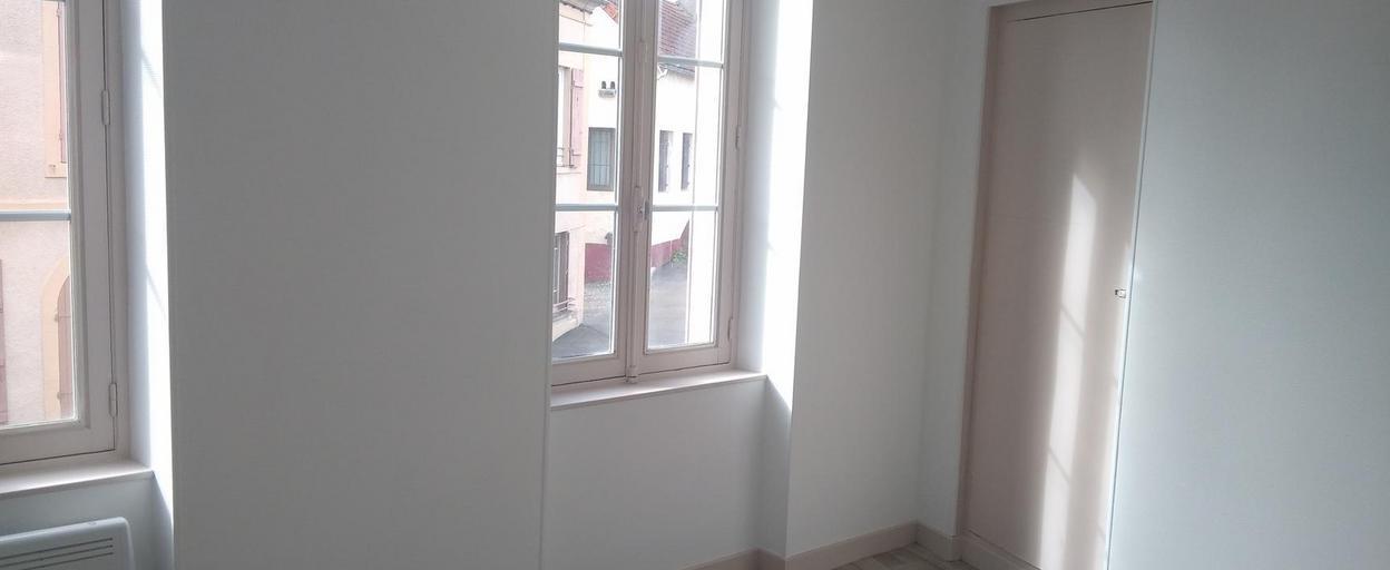Location appartement 2 pièces Épinac (71360) 295 € CC /mois