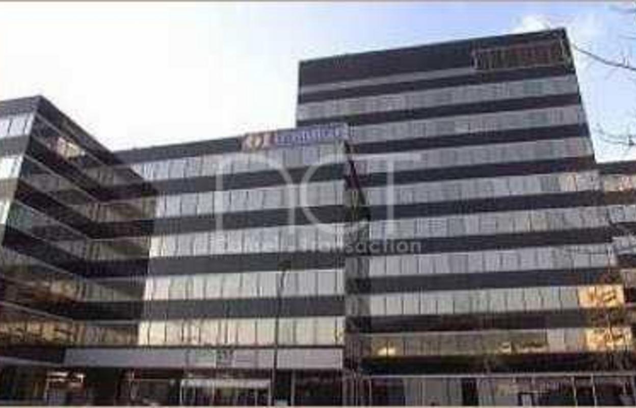Bureau 230 m²