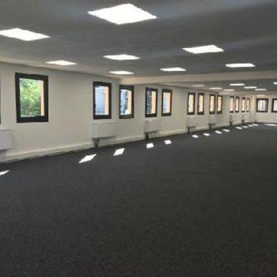 Bureau 1560 m²