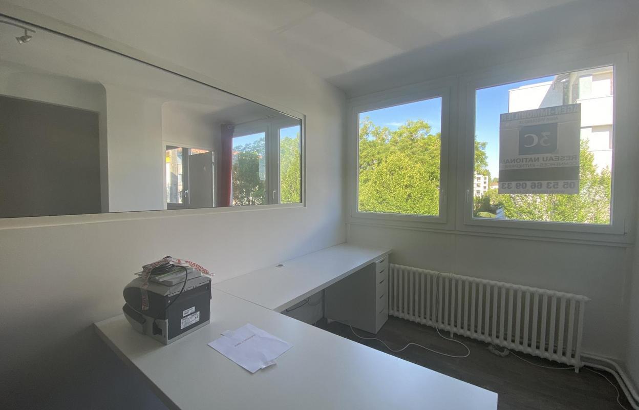 Bureau 52 m²