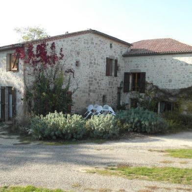 Maison 14 pièces 380 m²
