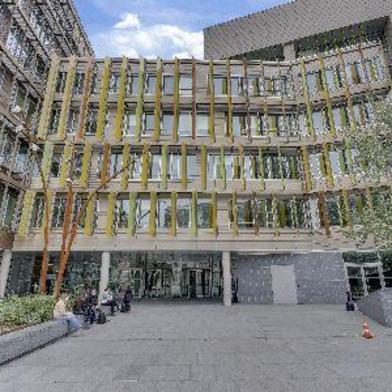 Bureau 1126 m²