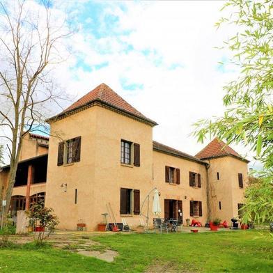 Maison 12 pièces 380 m²