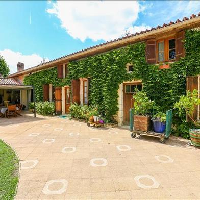 Maison 16 pièces 464 m²