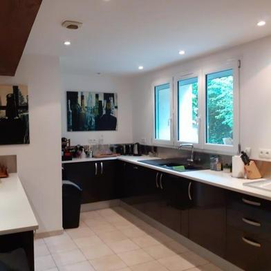 Maison 8 pièces 239 m²