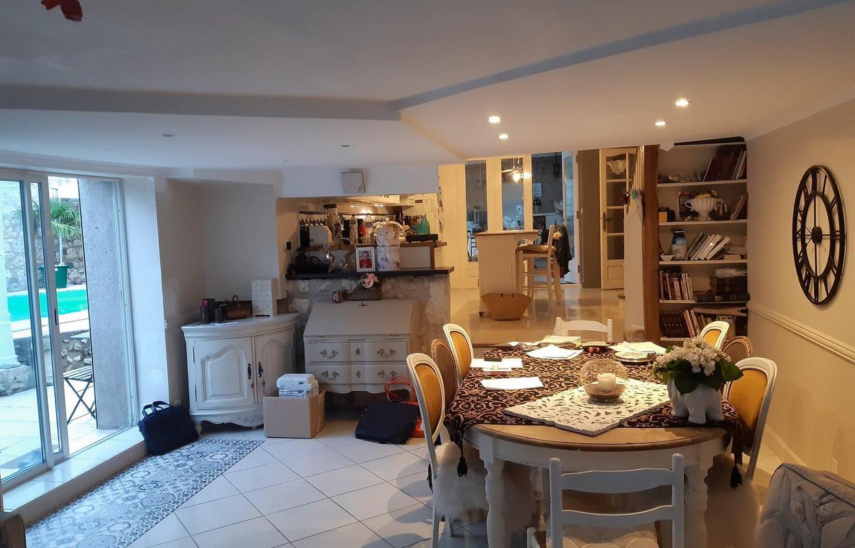 Maison 3 pièces 130 m²