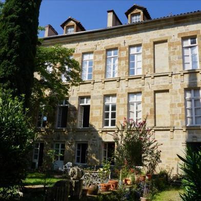 Maison 10 pièces 300 m²