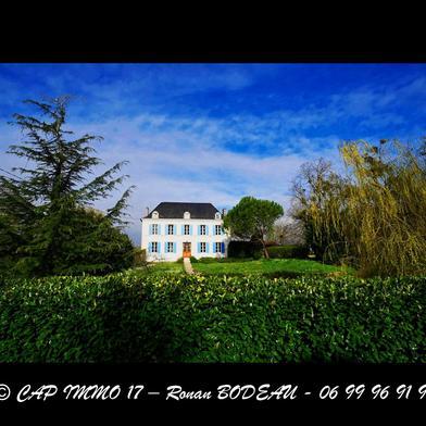Maison 15 pièces 375 m²