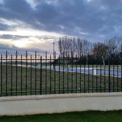 Terrain 300 m²