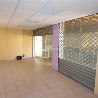 Commerce 65 m²