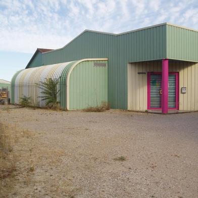 Local industriel 800 m²
