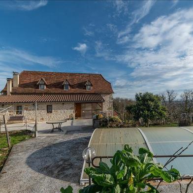 Maison 10 pièces 329 m²